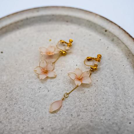 Benizakura  イヤリング/ピアス 桜