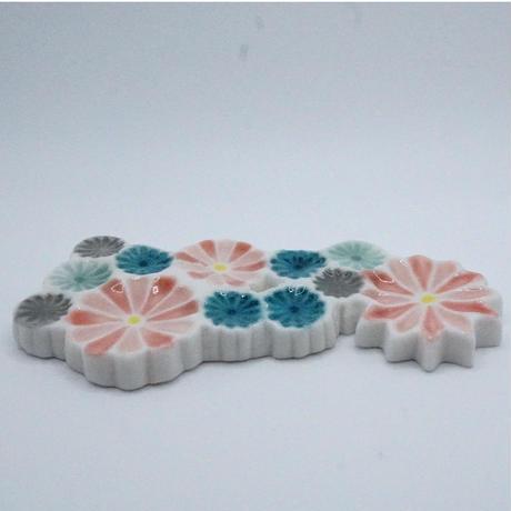 透ける陶器のカトラリーレスト 艸方窯