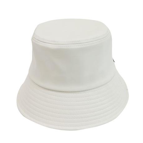 NEW ESSENTIAL LOGO  LEATHER BUCKET HAT BEIGE