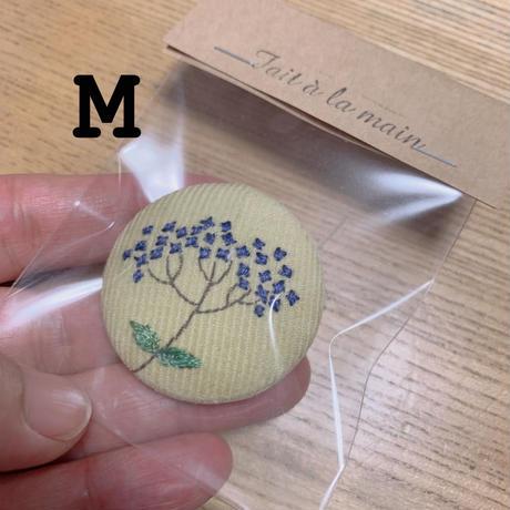 1点もの秋冬刺繍ブローチ(随時追加します)