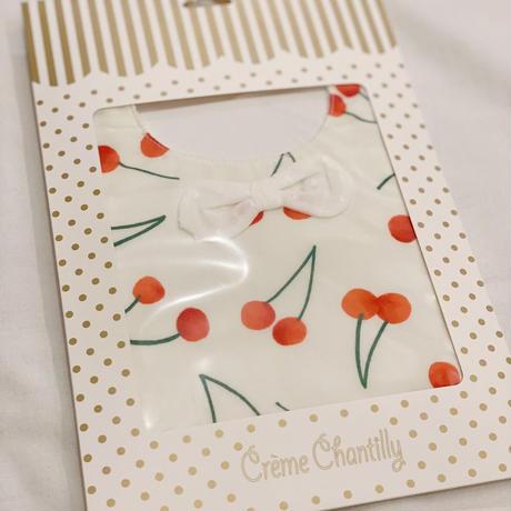 【 Creme Chantilly 】リボン付きさくらんぼスタイ