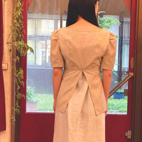 【 tatoe 】 gathers sleeve front hook JK