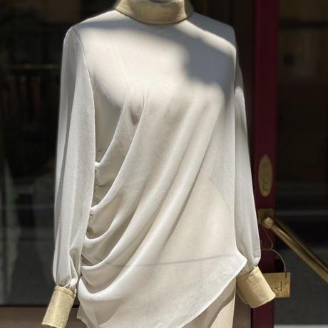 【 tatoe 】 see-through drape blouse
