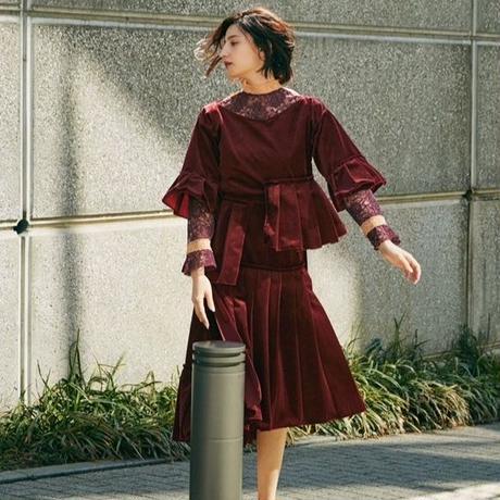【 HOUGA 】velour petal blouse