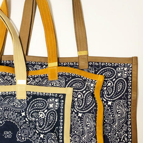 RTH SIMPLE TOTE - BANDANA - NAVY W/ NATURAL ROUGHOUT TRIM