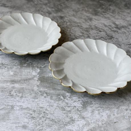 【鈴木まどか】白瓷口錆輪花六寸皿