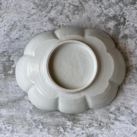 【鈴木まどか】白瓷輪花楕円六寸鉢