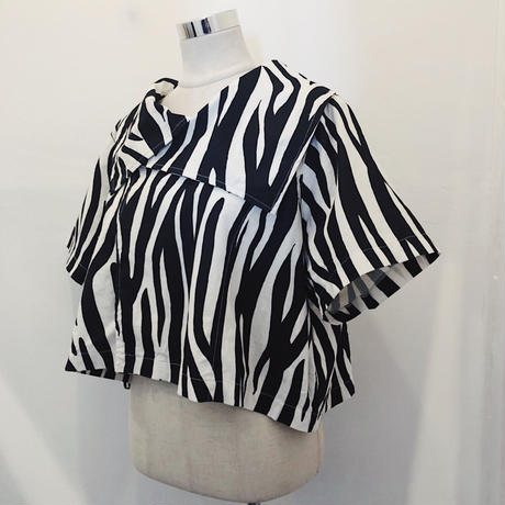 Zebra pattern short blouse
