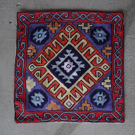 カシミール刺繍クッションカバー/Large/Red Window