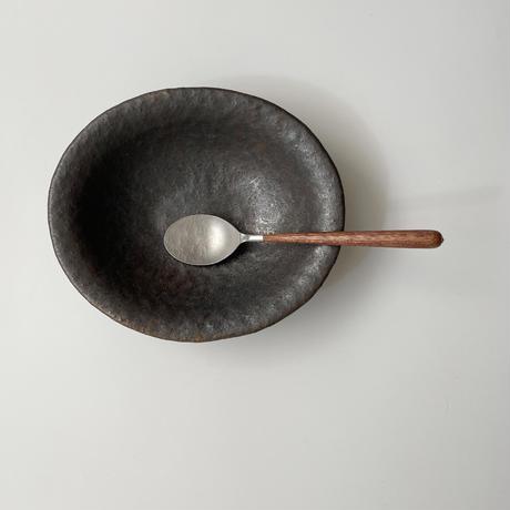 高田かえ・黒釉だ円鉢