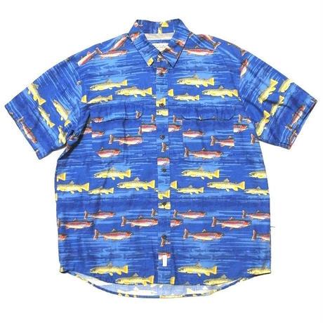 cabelas fish shirt  size L