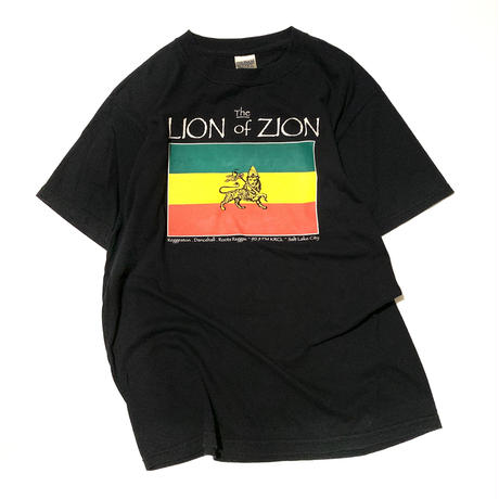 the LION of ZION T-shirt  M