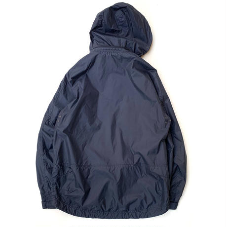 GAP NYLON JACKET size M