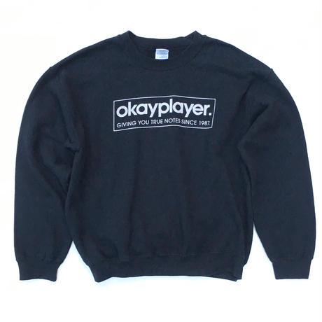okayplayer.  Sweater SIZE-XL