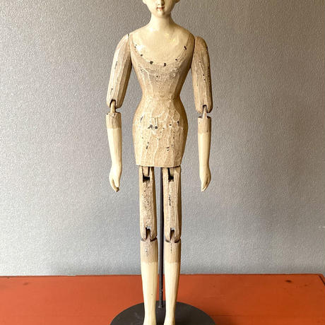 Articulated wooden doll