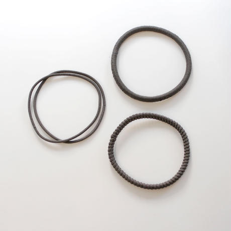 base hair tie / gray