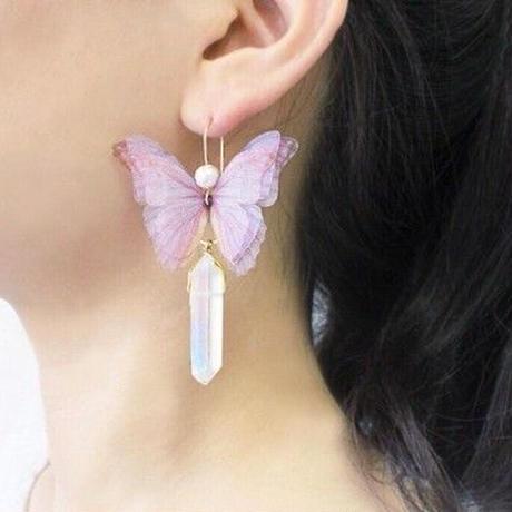 【FayFay】メンヒルピアス(イヤリング)・なでしこ色の蝶