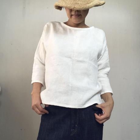 リネンのゆったりTシャツ  七分袖 モノトーン