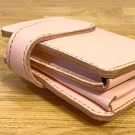 ナチュラルピンクのヌメ革二つ折り財布/手縫い/一点もの