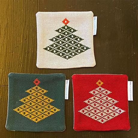 【クリスマス限定品】青森県伝統刺し子 南部菱刺しコースター3枚セット《Happy Holidays》