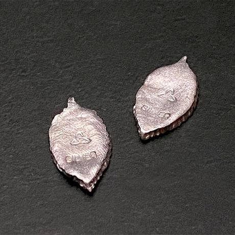 純銀製 《葉と雫》スタッドピアス