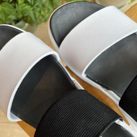 厚底カジュアルサンダル(白黒)