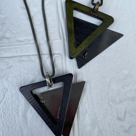 三角・木とメタルのネックレス