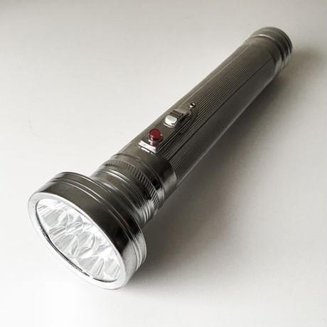 LED レトロなマグライト