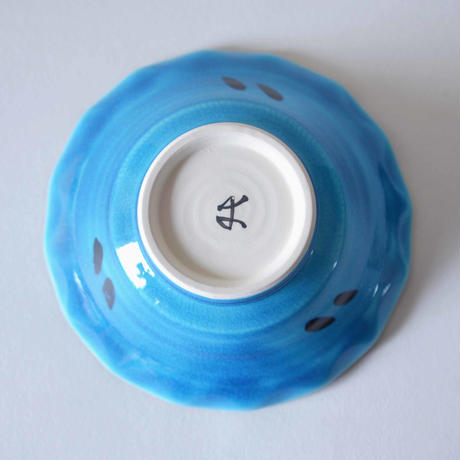 青釉葡萄文小鉢