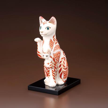 赤絵花飾親子招き猫(塗板付・木箱入)