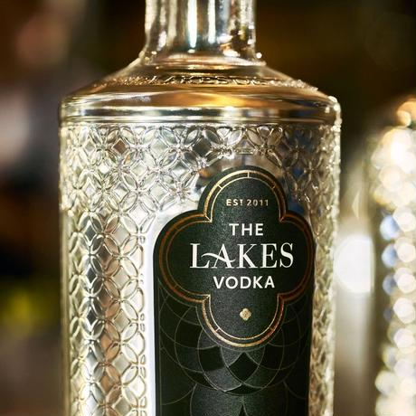 THE LAKES VODKA         ザ・レイクス ウォッカ 1本