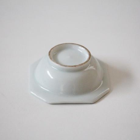 【季節のうつわ】染付松ぼっくり文隅切小鉢 7.0cm Blue and White Small Square Dish with Pine Design 19thー20th C
