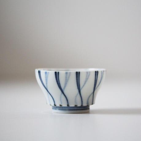 【千代久】染付螺旋文猪口(その4)Blue and White Cup with Spiral Pattern 19thー20th C