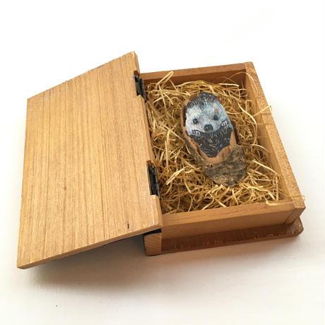 コヤマイッセー「SAKURA woodchip drawing 【hedgehog】」
