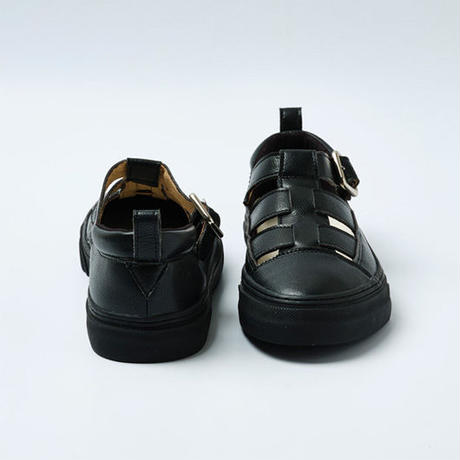 SLACK FOOTWEAR / GROWS