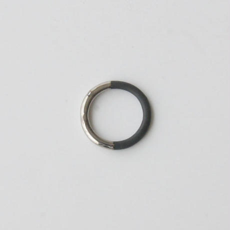 THIS SIDE BLACK  Ring Platinum
