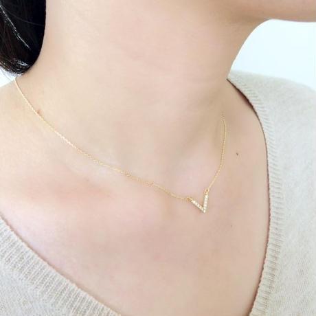 vneck necklace