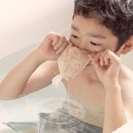 アテの香り楽しむ入浴剤を作ろう!