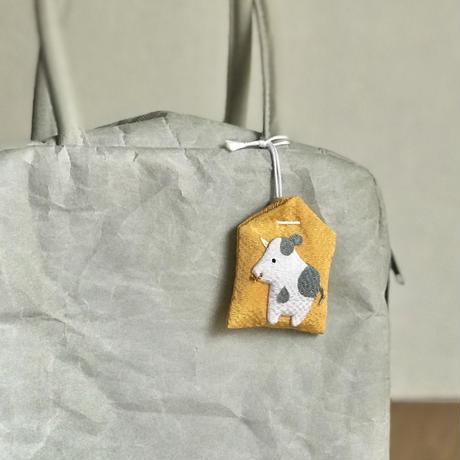 香福の うし【お守り型 香り袋】