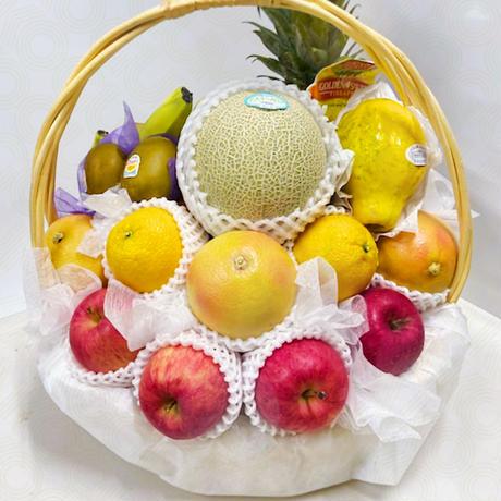 #45:豪華フルーツ盛りカゴ大・国産メロン入り! (お祝い・お供え全般)