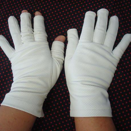 保湿しっとりお休み手袋