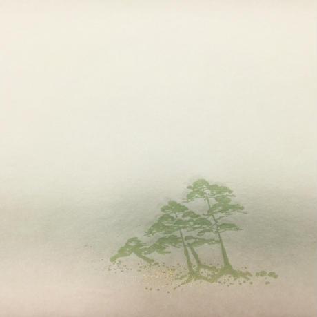 30×100㎝ 新鳥の子 裾2色ぼかし三本松紋様砂子 1枚売り