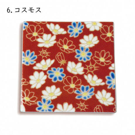 九谷焼 色絵角平皿兼コースター〈花模様〉