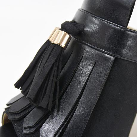 タッセル付太ヒールサンダル(ブラック)