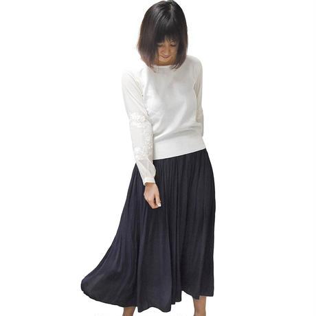 袖刺繍スウェット(ホワイト)