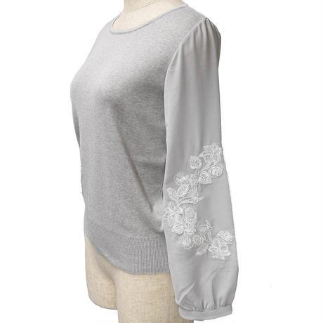 袖刺繍ニットプルオーバー(グレー)
