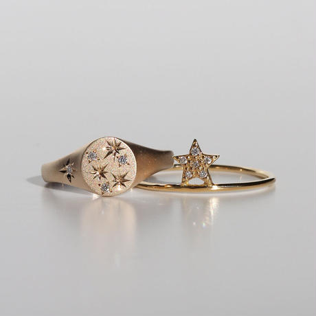 PINKY STAR SIGNET RING