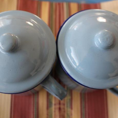 レトロ可愛いホーローカップ〔ベトナム〕