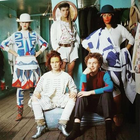"【USED】80'S WORLDS END ""SAVEGE"" PIRATE TOP GEOMETRIC PRINT"