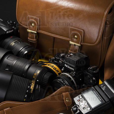 VINTAGEレザーの本格的なデジタル一眼レフカメラバッグ #CU4